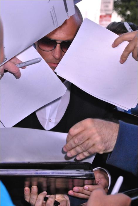 Luke Goss Signing Autograph