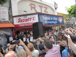"""Go-Go's Get a Star on Hollywood Boulevard 30 Years After """"Beauty and the Beat"""""""