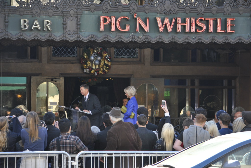 Helen Mirren at Walk of Fame Ceremony in front of British publ Pig N Whistle